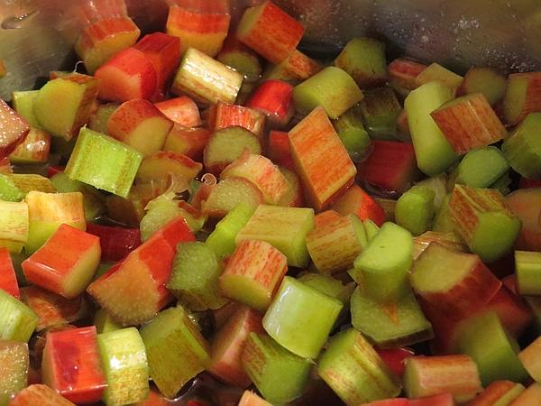 simple rhubarb sauce recipe, rhubarb tips & recipes