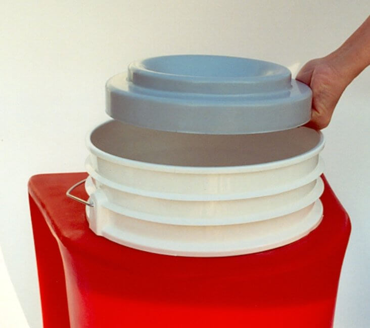 Insulated Bucket Holder with Bucket